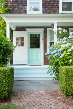 Bungalow Blue Interiors - Home - get the look: easy, breezy in thehamptons
