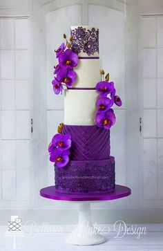 Beautiful cake from Avalon Cakes.