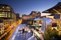 Sky Bar at Grand Daddy Hotel: The Best Rooftop Bars in Cape Town Rooftop Bar Bangkok, Best Rooftop Bars, Rooftop Restaurant, Cape Town Hotels, Unusual Hotels, Sky Bar, Le Cap, Table Mountain, New York
