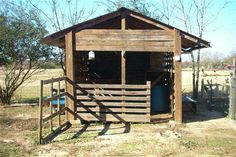 Goat barn made from pallets #goatvet knows dairy goats need shelter as they lack the lanolin in their coats like cows have