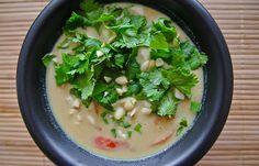 Få opskriften på en lækker spicy Thaisuppe der kun tager ca. 20 minutter at lave og kan spises igen dagen efter.