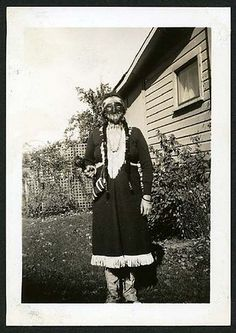 bizarre vintage photographs | vintage halloween costumes 2 Weird: vintage Halloween costumes