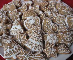 Nyomj egy lájkot,ha Te is szereted Christmas Tree Cookies, Christmas Gingerbread, Christmas Desserts, Christmas Baking, Gingerbread Cookies, Tea Cookies, Fall Cookies, Holiday Cookies, Hungarian Cookies