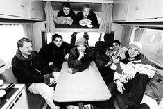Ještě v roce 2002 jezdila skupina Kryštof na koncerty v obytné avii, Richard Krajčo uprostřed. Fictional Characters, Pictures, Fantasy Characters