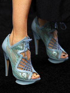 Blue Ribbon: A modern style icon, #SarahJessicaParker mixes lace and powder blue in a never-seen-that-before lace-up. #weird #shoes