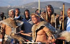 Jacob Zuma, president of South Africa, getting in touch with the roots of his country, having fun. Black History Facts, Black History Month, African Culture, African History, African Wedding Theme, Blacks In The Bible, Zulu Wedding, Black Israelites, Revelation Bible