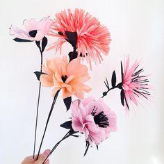 Paperflower love # #rie #crafting #flower #paperart #creppaper @husflidkbh har det der skal bruges ❤️#rieeliselarsen