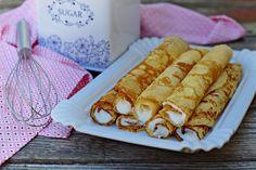 Őrületes grízes palacsintatészta bögrésen – Rupáner-konyha Köstliche Desserts, Delicious Desserts, Pancake Dessert, Cookie Recipes, Vegan Recipes, Cake Cookies, Hot Dog Buns, Food And Drink, Sweets
