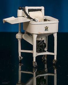 Vintage Cast Iron Wringer WASHER for Miniature Dollhouse Laundry -Nice detail Antique Washing Machine, Vintage Laundry, Madame Alexander Dolls, Miniature Dollhouse, Dollhouse Furniture, Doll Houses, Tupperware, Antique Dolls, Drafting Desk