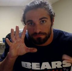 Bears.. 5 fingers... Perhaps this Bear should listen to Five Finger Death Punch and dream & fantasize that Seth is my best friend and I get to hang out with him and he introduces me to Ryan (Hey I'm not stupid. We've all got our own fantasies & dreams. Don't like it, oh well, make up your own lmao)!! Cute photo though, Bears & FFDP sounds great to listen to now if I only had their CD u_u ... But i'd rather just be called Bear again by Ryan and hang out with Seth \m/