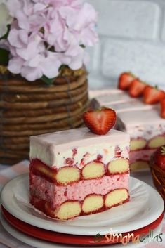 Tiramisu Cheesecake, Mousse Dessert, Romanian Food, Strawberry Cakes, Food Cakes, Cake Recipes, Gem, Sweets, Desserts