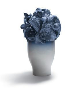 01007900  NATURO. -LARGE VASE (BLUE)  Issue Year: 2008  Sculptor: Marco Antonio Noguerón Size: 41x25 cm