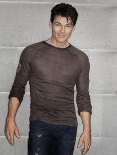 ..hadn't invited anyone to dinner for a while (too busy pinning tablesettings) but my inner 16 year old thinks Morten Harket should be invited..