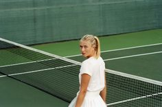 Smile: Maria Sharapova in The Gentlewoman Magazine Spring/Summer 2012 by Zoe Ghertner Maria Sharapova, Sharapova Tennis, Mode Tennis, Lovers Pics, Tennis Fashion, Sporty Fashion, Sporty Outfits, Sporty Chic, Beauty