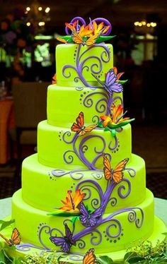 Might just have to be my future wedding cake!  Minus the butterflies...add some beautiful Hawaiian flowers....yes!