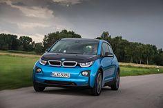 Con una batteria ancora più potente e una maggiore autonomia, la nuova BMW i3 rende il futuro già presente nella propria città.