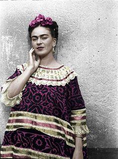 non è in realtà un cappello: Frida Kahlo ed il suo cerchietto fiorito