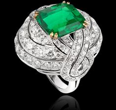 6.50 carat natural Colombian emerald, diamond and white gold Entanglement Collections Garrard