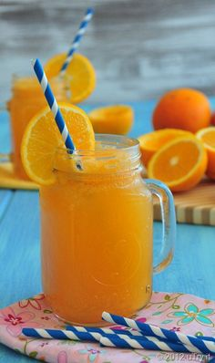 "Home Made ""Orangina"". A quick and healthy drink to beat the heat!"