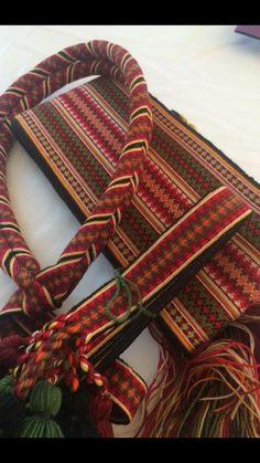 Inkle Weaving, Inkle Loom, Card Weaving, Tablet Weaving, Weaving Textiles, Weaving Patterns, Norwegian Clothing, Finger Weaving, Cool Gadgets To Buy