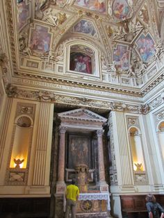 Basílica de Santa María en Trastevere, Roma. Fundada en el siglo III por el papa Calixto I, renovada durante el papado de Inocencio II (1130-1143).