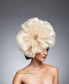 Gold/Champagne Silk headpiece Gold facinator Gold by ArturoRios