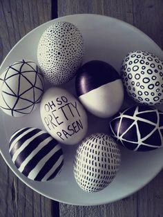 Easter recipes to make planning this holiday easier than ever! Plan for the entire Easter weekend with our recipes for dinner, dessert, and even brunch. Sharpie Eggs, Diy Ostern, Egg Art, Easter Holidays, Egg Decorating, Spring Crafts, Easter Crafts, Happy Easter, Easter Eggs