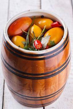 """Натолкнулась на этот рецепт очень давно,отправила его в закладки...и тут прикупила помидор таких в форме """"сливок"""",то что я люблю на засолку...заглянула в закладки а…"""
