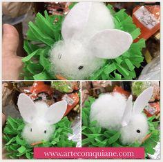 Ainda dá tempo de fazer!  Coelhinho feito de manta acrílica com olhinhos móveis numa base de papel crepom    ➡️ www.artecomquiane.com  .  . #diy #artesanal #artesanato #artecomquiane #coelhos #pascoa #pascoa2017 #facavocemesmo #façavocêmesmo #feitoamao #bunny #rabbit #lembrancinhas #ovosdepascoa #ovodecolher #ovodepascoa #mesaposta #mesadecorada #decor #decoracao