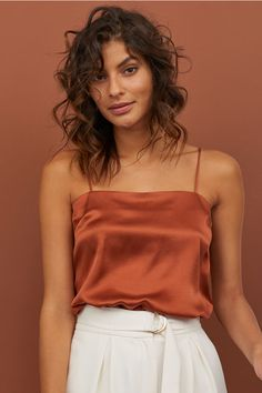 Camisole top in woven, softly draped silk fabric. Tank Top Outfits, Pantsuits For Women, Silk Top, Satin Top, Silk Satin, Neue Trends, Fashion Outfits, Emo Fashion, Rock Fashion