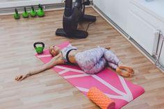 EROON SELKÄKIVUISTA - 15 venytystä helpottamaan alaselän ja lonkan kipuja Pain Relief, Pilates, Beach Mat, Hello Kitty, Health And Beauty, Gym, Workout, Fitness, Sports