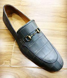 Men's Handmade Alligator Bit Slip-on Loafer David Payne, Men's Shoes, Dress Shoes, Crocodile Skin, Goodyear Welt, Loafers Men, Bespoke, Men's Fashion, Oxford Shoes