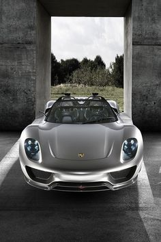 Porsche 918 Spyder - Electric motor in the front and a V8 in the back.