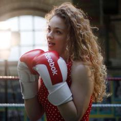 Carrie in the I've Got What it Takes music video! Boxing Girl, Women Boxing, Carrie Hope Fletcher, Waiting For Her, Dan And Phil, Les Miserables, Hunter Boots, Role Models, Carry On