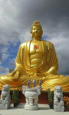 The 7 Steps To Awakening. Proto Buddhism - The Original Teachings of the Buddha by Venerable Dr. Giant Buddha, Buddha Art, Buddha Statues, Asian Sculptures, Buddhist Symbols, Buddha Temple, Buddhist Philosophy, Gautama Buddha, Indian Art