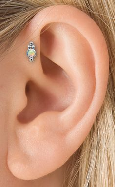 TRAGUS PIERCING - Maria Tash gold and diamond body jewelry, necklaces, rings, earrings Tragus Piercings, Piercing Tattoo, Piercing Implant, Cool Piercings, Peircings, Body Piercing, Body Jewelry Piercing, Gauges, Tragus