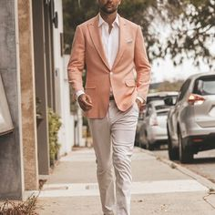 Classic Two pieces blazer with white trousers. Dressing like a true gentleman is not only about fashion, but about self-discipline. Der Gentleman, Gentleman Style, Suit Fashion, Mens Fashion, Blazer With Jeans, White Trousers, Casual Suit, Jackett, Mode Style