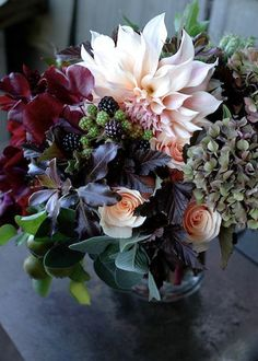 beautiful fall arrangement : )