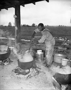 Barbeque, Braswell Plantation near Rocky Mount, NC, September 1944. From Conservation and Development Department, Travel and Tourism Photo Files, North Carolina State Archives, Raleigh, NC