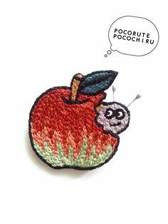 真っ赤なりんごから、謎の虫さんがこんにちは。虫さん単体でも、りんごをonしてもOKな、着せ替えブローチ!虫嫌いな方でも、こんな虫さんなら可愛い??銀色の触覚が、チャームポイント☆りんごの裏にはシューズクリップの金具がついているので、パチンと付け外しも簡単...