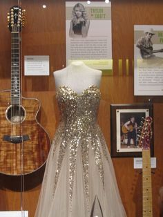 Taylor Swift's award show dress -- Inside the Country Music Hall of Fame