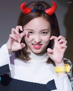 161030 || Nayeon is too cute for me!!!!!  She is melting my heart  @twicetagram  Cr ; heartlipped  #TWICE #트와이스 #KNOCKKNOCK #임나연 #나연 #정연 #모모 #사나 #지효 #미나 #다현 #채영 #쯔위 #Nayeon #Jeongyeon #Momo #Sana #Jihyo #Mina #Dahyun #Chaeyoung #Tzuyu