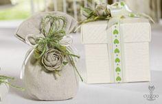 Nozze Shabby Chic | Sacchetti e fiori in lino color naturale da abbinare a scatoline in Ardesia avorio di nostra produzione