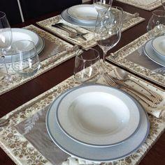 Pripravte si nádhernú večeru a užite si spoločné chvíle s rodinou  . . . . . . . . . . . . . . . . . www.inmedio.sk . . . . . . . . . . . . . . . . . . . . . . . . . . . . . . . . . . . . . #obed #jedlo #prestieranie #porcelan #thun #lunch #thunporcelain #ceskyporcelan #ceskyvyrobok #inmedio #skloporcelan #ronasklo #rona #kalich #pohar #slovenskesklo @rona5starglass @thunporcelain #somdoma #smesoma Table Decorations, Furniture, Home Decor, Decoration Home, Room Decor, Home Furnishings, Home Interior Design, Dinner Table Decorations, Home Decoration