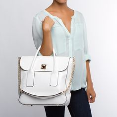 White Handbag :}  'nice but I've to grow my arms to carry it .'  ^_~*