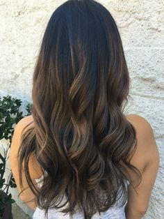colorpop #balyageombre #balyagehighlights #instagram #instadaily #instagood#wellahair #folsomsalon#folsomcolorist#sacramentohairstylist #sacramentohair #916hairstylist #916hair #joico #joicointensity #vegashair #eldoradohillstowncenter #eldoradohillshair #eldoradohills #folsomsalon#rosevillehair#placervillehair #granitebayhair #hairpaintinf#colorspecialist#brunette#carmelbalayage