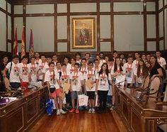 El vicepresidente de la Diputación recibe a los participantes en la fase regional de la Olimpiada Matemática