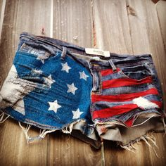 DIY American Flag shorts! Glitter spray paint and stencils.