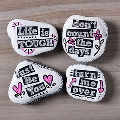 Painted Flip Rocks back Pebble Painting, Stone Painting, Diy Painting, Fabric Painting, Inspirational Rocks, Easy Arts And Crafts, Rock Decor, Rock Painting Designs, Kindness Rocks