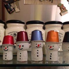 Nespresso capsules and corks make adorable snowmen